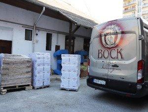 Bock Borászat nyolcmillió forint értékű adománnyal segíti az idősotthonok lakóit 1